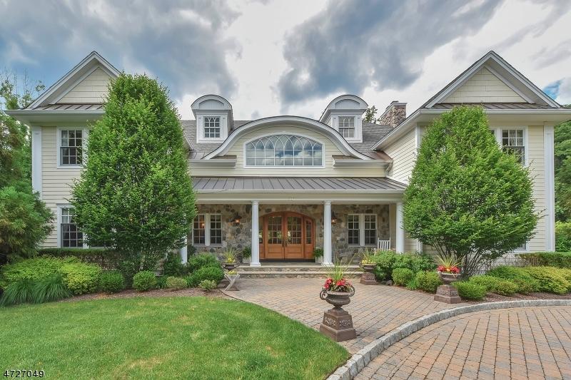 Maison unifamiliale pour l Vente à 203 Wearimus Road Ho Ho Kus, New Jersey 07423 États-Unis