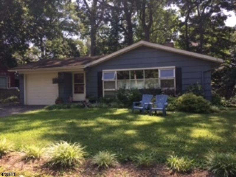 Частный односемейный дом для того Аренда на 26 BROOK LANE Maplewood, Нью-Джерси 07040 Соединенные Штаты
