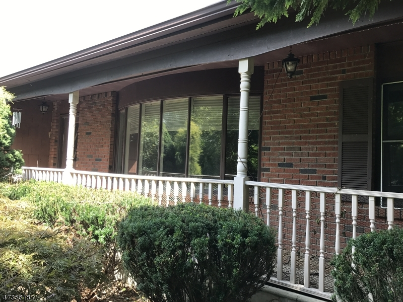 Single Family Home for Sale at 27 Milford Road 27 Milford Road Bloomsbury, New Jersey 08804 United States