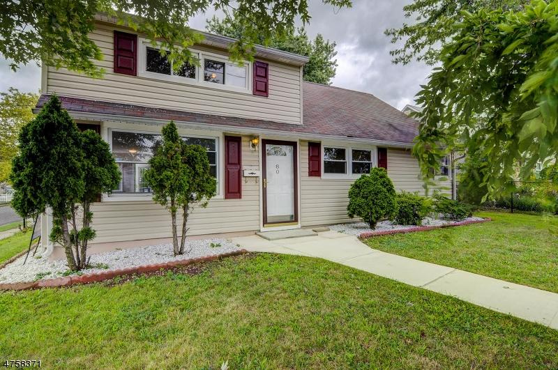 Nhà ở một gia đình vì Bán tại 80 Marion Street 80 Marion Street Carteret, New Jersey 07008 Hoa Kỳ