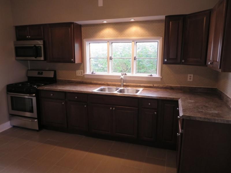 独户住宅 为 出租 在 56 1st Avenue Raritan, 新泽西州 08869 美国