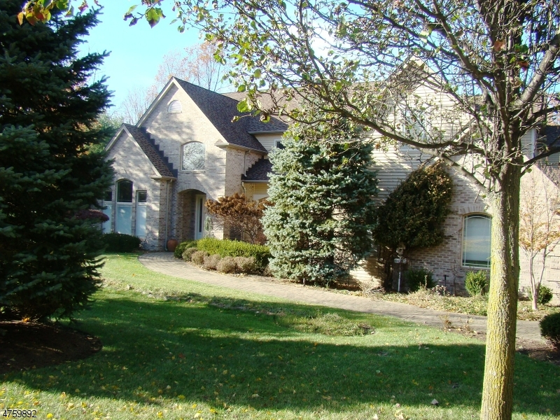 House for Sale at 9 BRENTWOOD Drive 9 BRENTWOOD Drive Caldwell, New Jersey 07006 United States