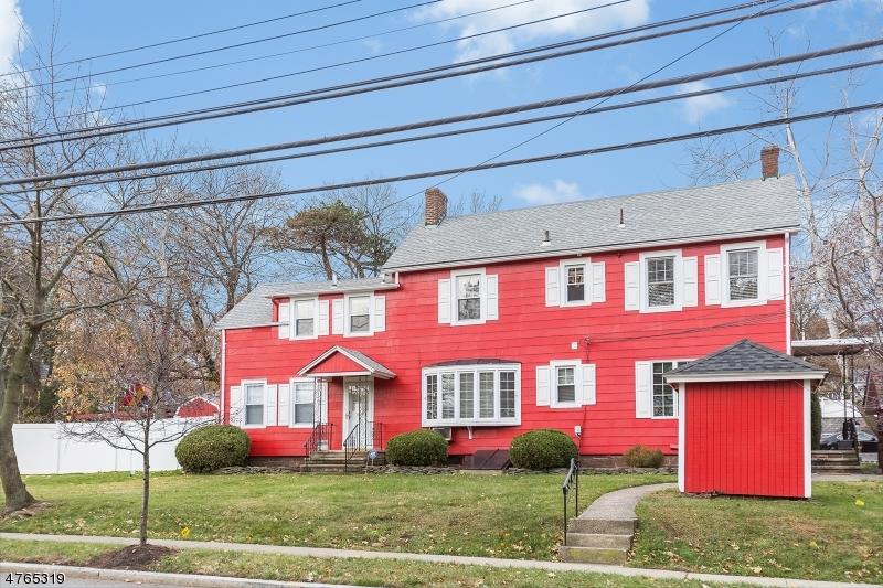 独户住宅 为 出租 在 616A (Farmhouse)Grove Street 蒙特克莱尔, 新泽西州 07043 美国