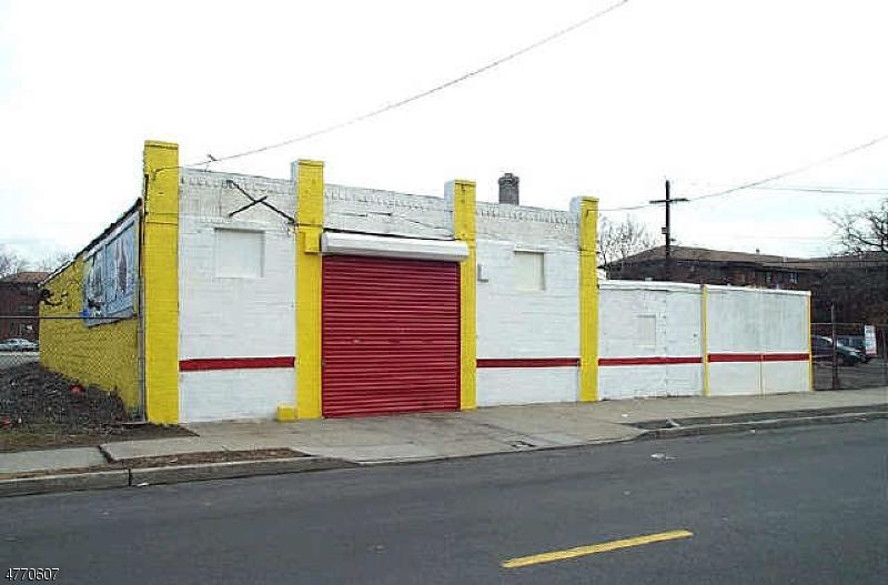Commercial pour l Vente à 2 NESBITT Street Newark, New Jersey 07103 États-Unis