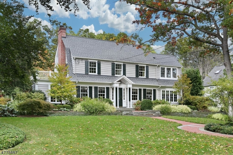 Maison unifamiliale pour l Vente à 163 Phelps Road Ridgewood, New Jersey 07450 États-Unis