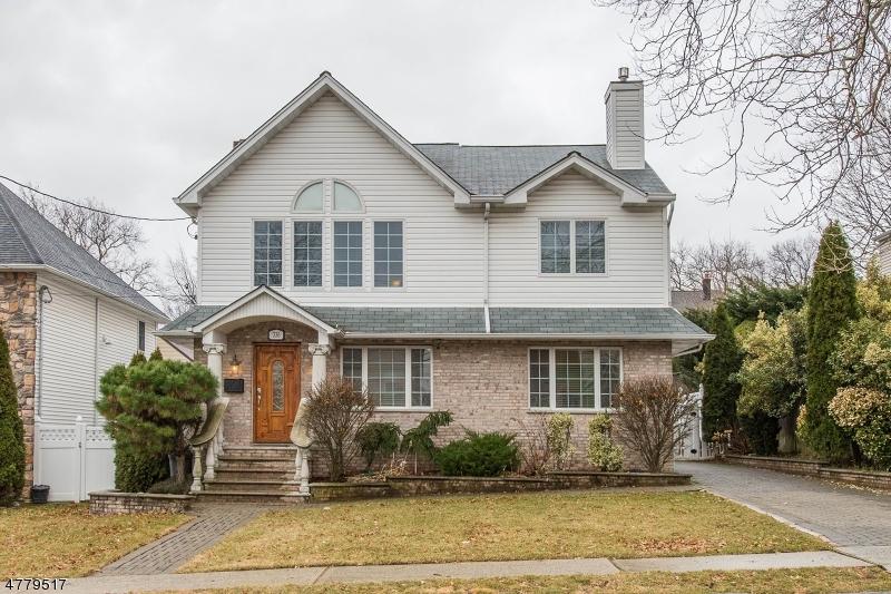 Tek Ailelik Ev için Satış at 336 Harrison Avenue Hasbrouck Heights, New Jersey 07604 Amerika Birleşik Devletleri