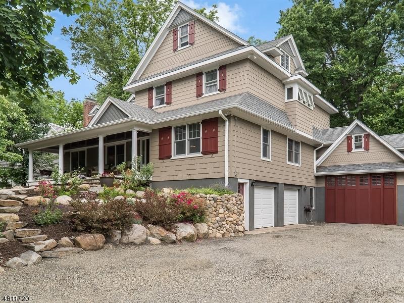 独户住宅 为 销售 在 27 MORTLOCK Place 格伦洛克, 新泽西州 07452 美国