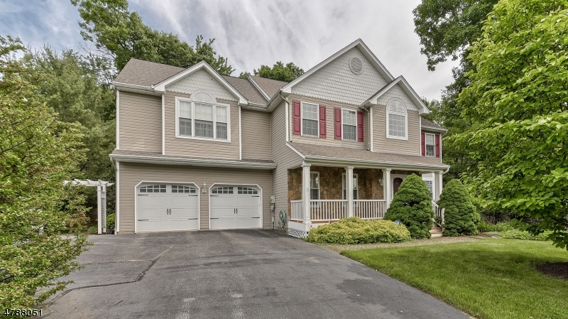 Single Family Home for Sale at 10 Anna Rose Court Bloomingdale, New Jersey 07403 United States