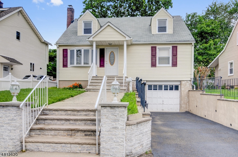 Single Family Home for Sale at 116 WYOMING Avenue Union, New Jersey 07083 United States