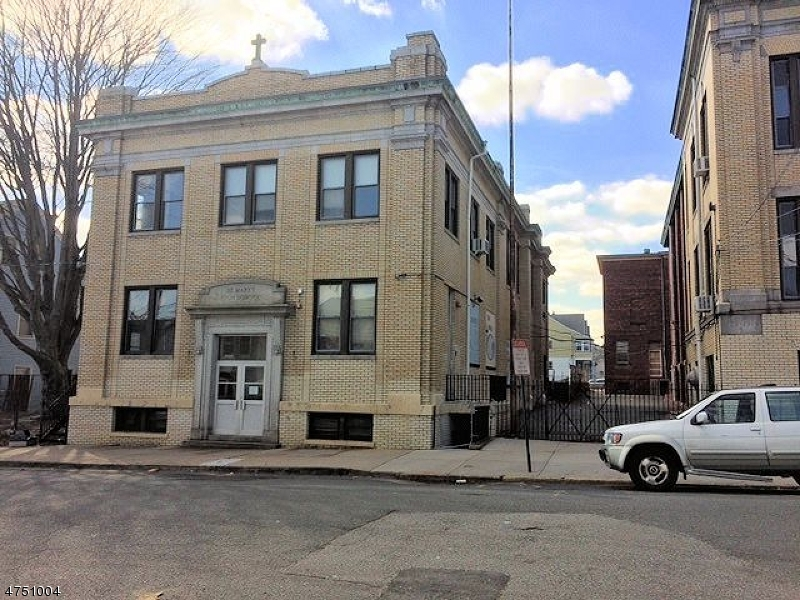 商用 为 销售 在 91 SHERMAN Avenue Paterson, 新泽西州 07502 美国