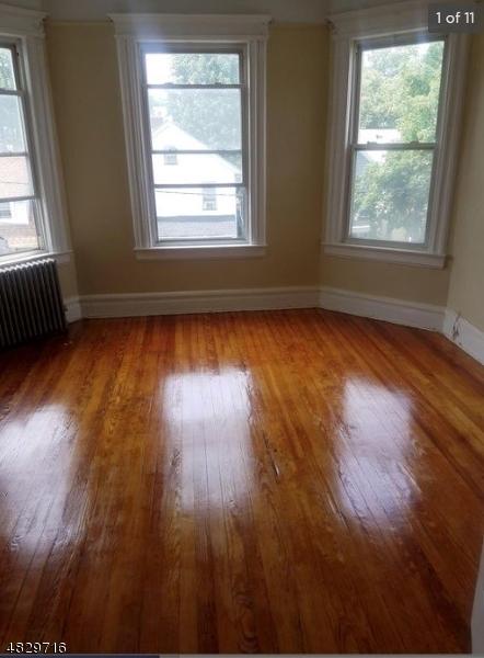 Частный односемейный дом для того Аренда на 22 MISSION Street Montclair, Нью-Джерси 07042 Соединенные Штаты