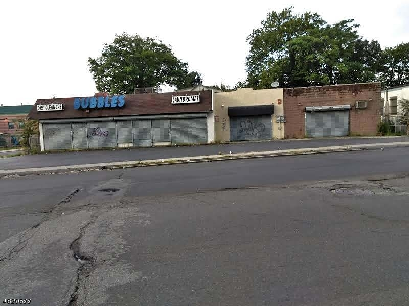 Commercial for Sale at 891 CLINTON Avenue Irvington, New Jersey 07111 United States