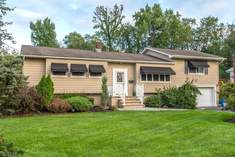 Casa Unifamiliar por un Venta en 32 COLE Road Fairfield, Nueva Jersey 07004 Estados Unidos