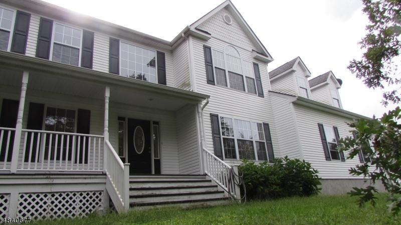 Enfamiljshus för Försäljning vid 48 SAND POND Road Hardwick, New Jersey 07825 Usa