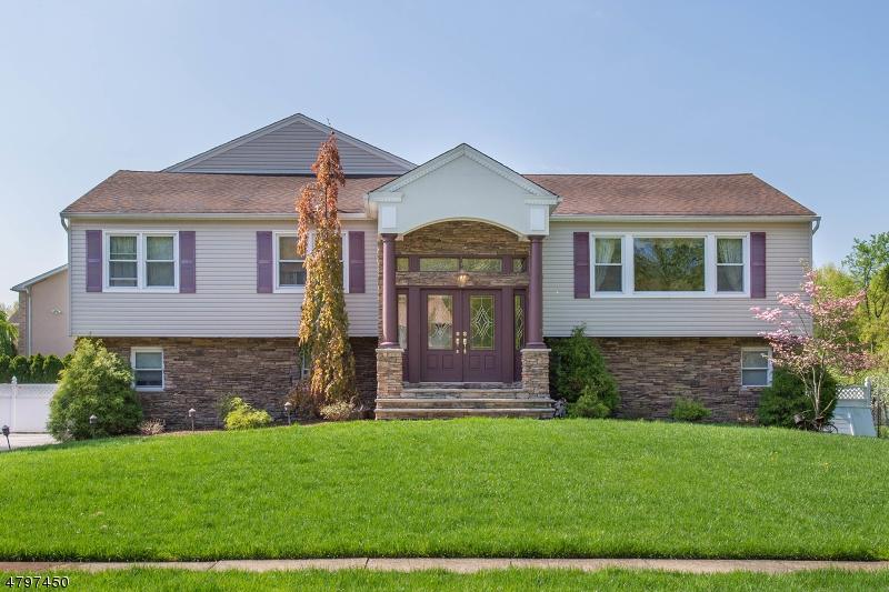 Casa Unifamiliar por un Venta en 384 TALBOT Drive Fairfield, Nueva Jersey 07004 Estados Unidos