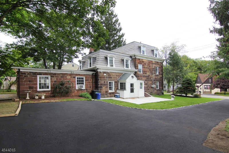 Single Family Home for Sale at 100 BROWERTOWN Road Little Falls, New Jersey 07424 United States