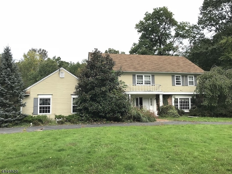Single Family Home for Sale at 24 Windsor Way Long Hill, New Jersey 07946 United States
