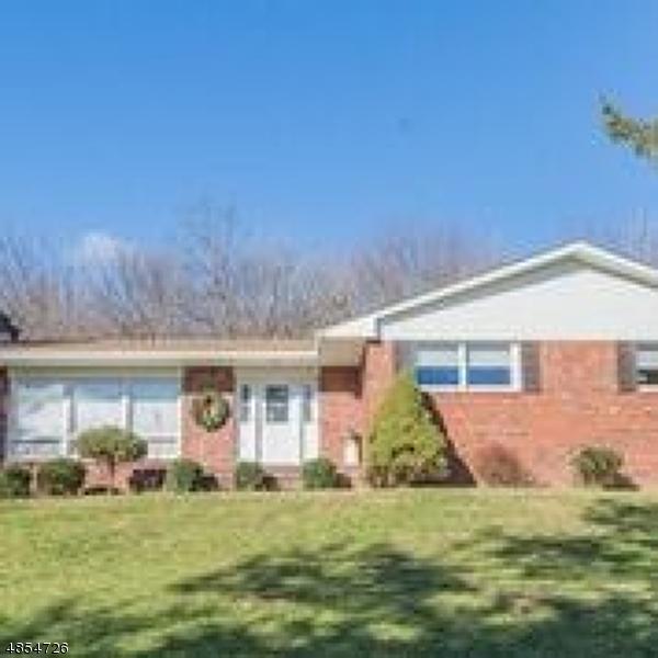 Nhà ở một gia đình vì Bán tại 173 UPPER NORTH SHORE Road Frankford Township, New Jersey 07826 Hoa Kỳ
