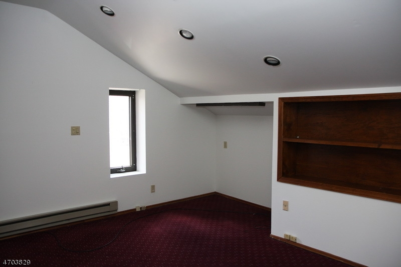 Additional photo for property listing at 117 Grand Avenue  Hackettstown, New Jersey 07840 Hoa Kỳ