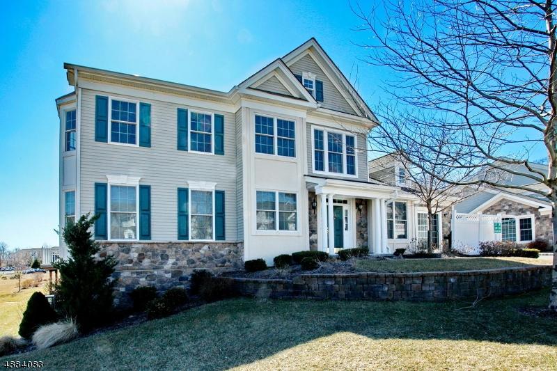 Condominio / Townhouse per Vendita alle ore 33 GRAPHITE Drive Woodland Park, New Jersey 07424 Stati Uniti