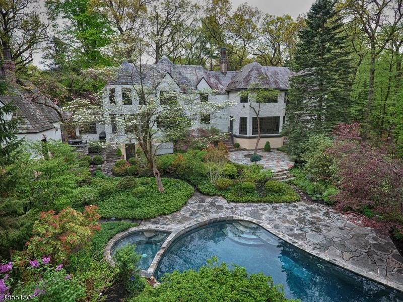Частный односемейный дом для того Продажа на 91 N Pocono Road Denville, Нью-Джерси 07834 Соединенные Штаты