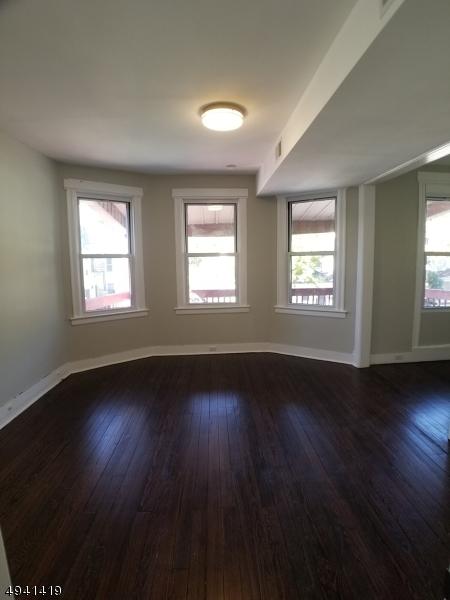 Property для того Аренда на East Orange, Нью-Джерси 07017 Соединенные Штаты