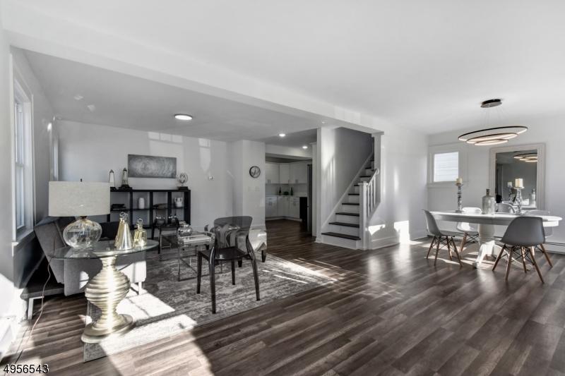 Single Family Homes للـ Sale في Wood Ridge, New Jersey 07075 United States
