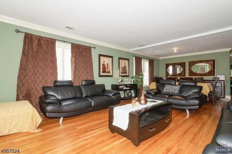 Single Family Homes voor Verkoop op Fairview, New Jersey 07022 Verenigde Staten