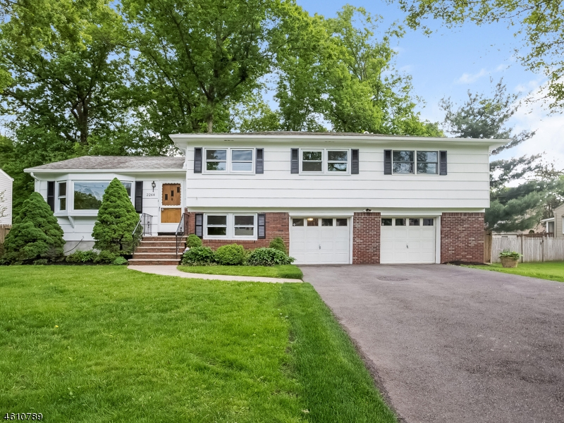 Single Family Home for Sale at 2264 Elizabeth Avenue Scotch Plains, New Jersey 07076 United States