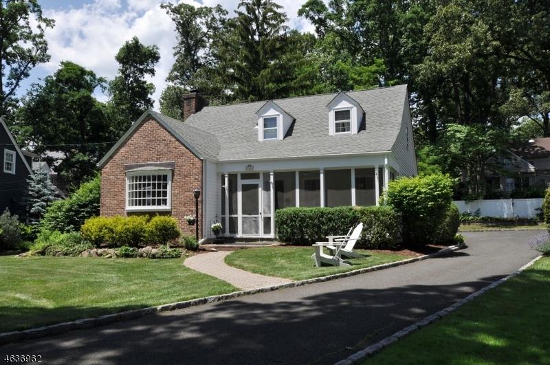 Частный односемейный дом для того Продажа на 36 Canterbury Lane Westfield, Нью-Джерси 07090 Соединенные Штаты