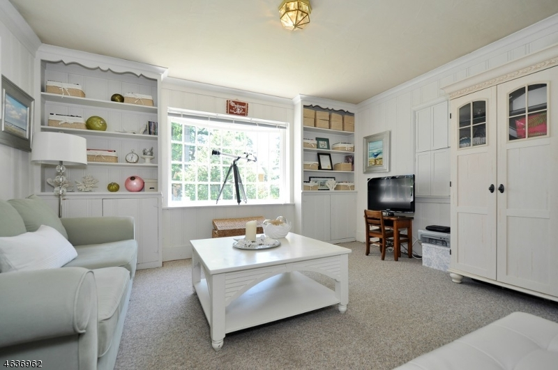 Additional photo for property listing at 36 Canterbury Lane  Westfield, New Jersey 07090 États-Unis