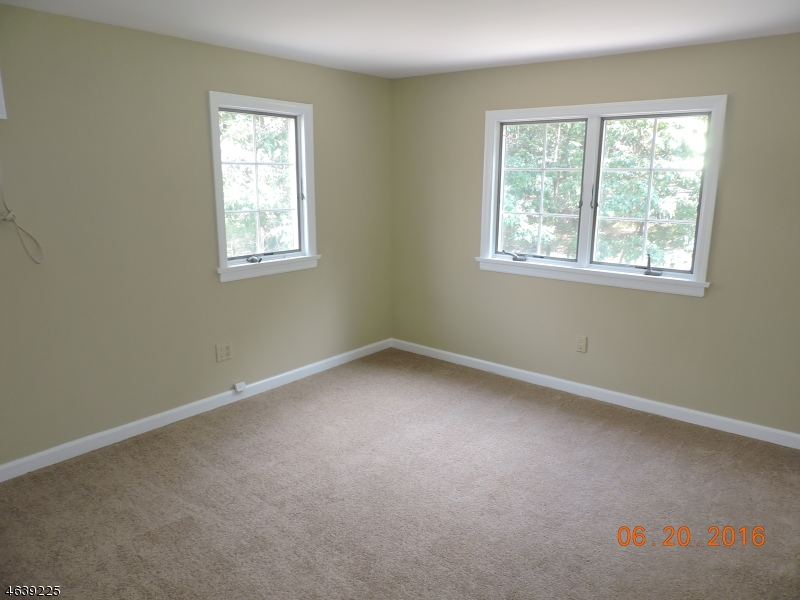 Additional photo for property listing at 40 Stanie Brae Drive  Watchung, Нью-Джерси 07069 Соединенные Штаты