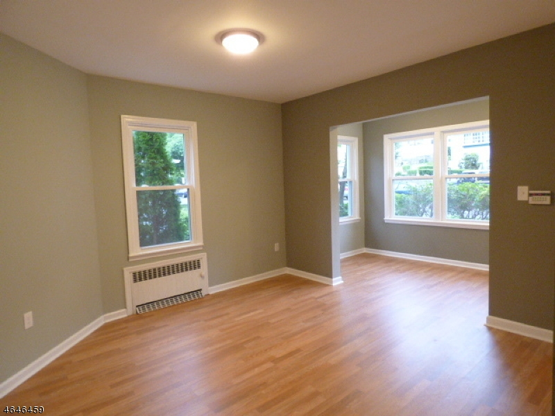Additional photo for property listing at 6 Calvin Ter  West Orange, New Jersey 07052 États-Unis