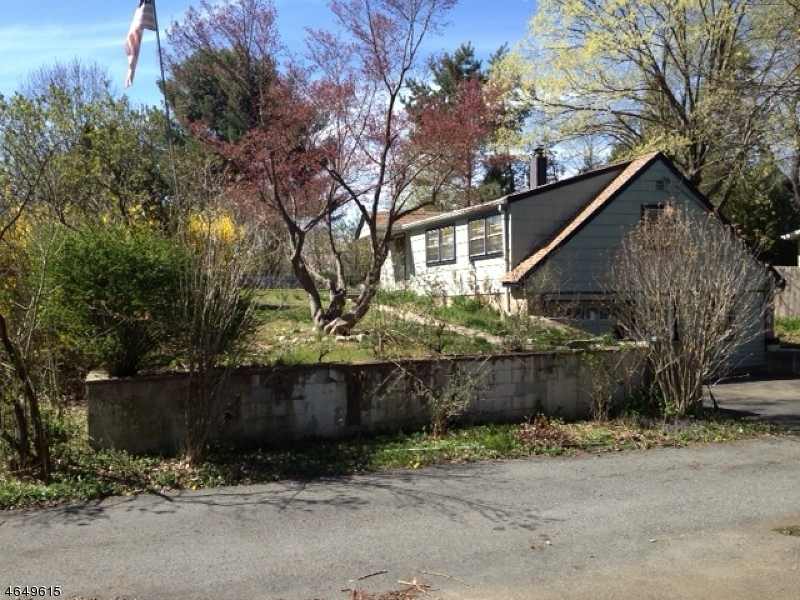 Single Family Home for Sale at 164 Conklintown Road Wanaque, New Jersey 07465 United States