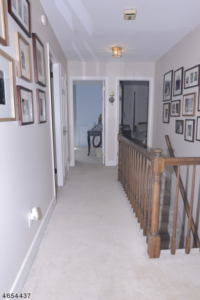 Additional photo for property listing at 10 Doe Run  Pittstown, Nueva Jersey 08867 Estados Unidos