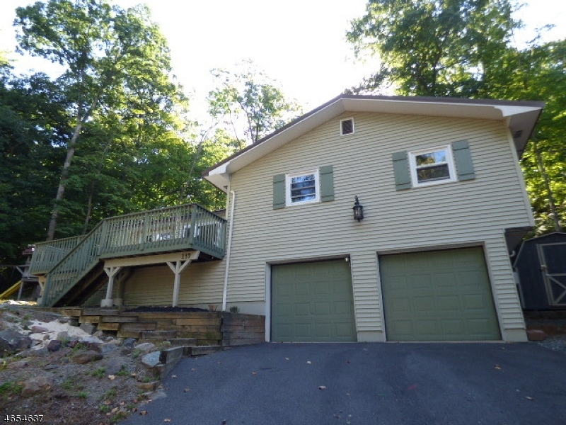 Additional photo for property listing at 139 Forest Lake Dr N  Andover, New Jersey 07821 United States