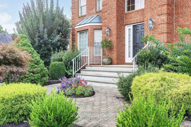 Additional photo for property listing at 11 Briarwood Dr E  Warren, New Jersey 07059 États-Unis