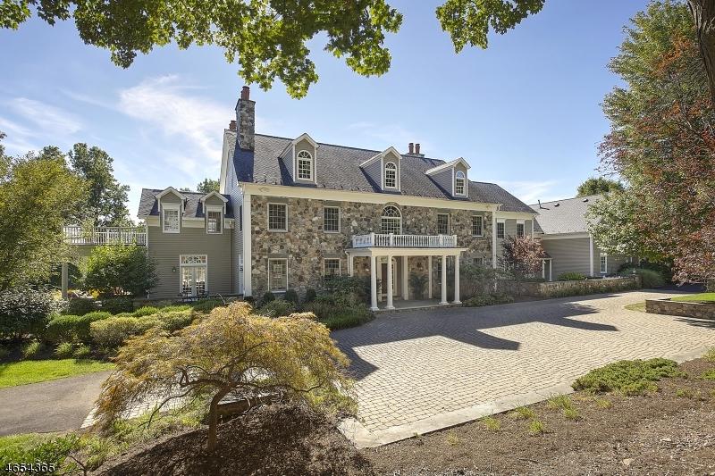 Частный односемейный дом для того Продажа на 19-3 HERITAGE Court Far Hills, 07931 Соединенные Штаты