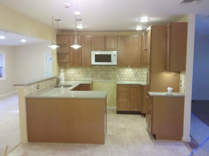 Additional photo for property listing at 28 Barry Dr N  Highland Lakes, Нью-Джерси 07422 Соединенные Штаты