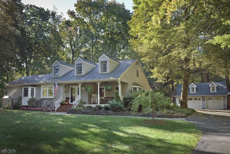 Casa Unifamiliar por un Venta en 24 Sunset Lake Road Sparta, Nueva Jersey 07871 Estados Unidos