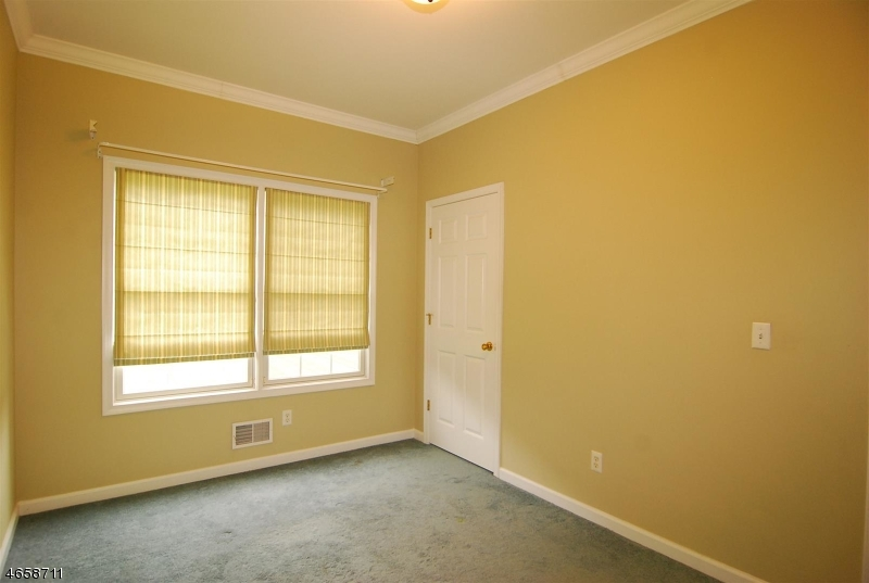 Additional photo for property listing at 13 Ponderosa Trail  Sparta, New Jersey 07871 États-Unis