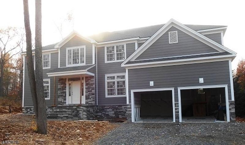 独户住宅 为 销售 在 20 Old Farm Road 伯克利海茨, 07922 美国