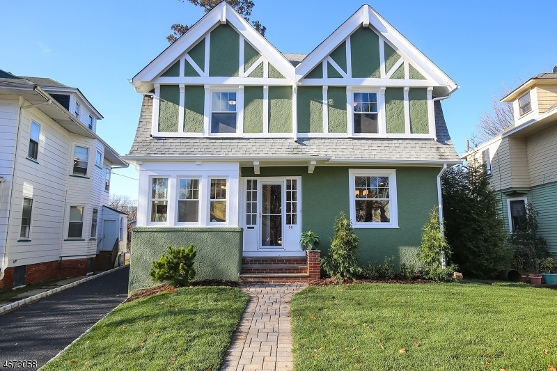 Maison unifamiliale pour l Vente à 50 Glen Ridge Avenue Glen Ridge, New Jersey 07028 États-Unis