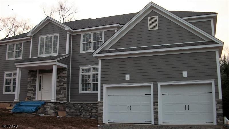 独户住宅 为 销售 在 20 Old Farm Road 伯克利海茨, 新泽西州 07922 美国