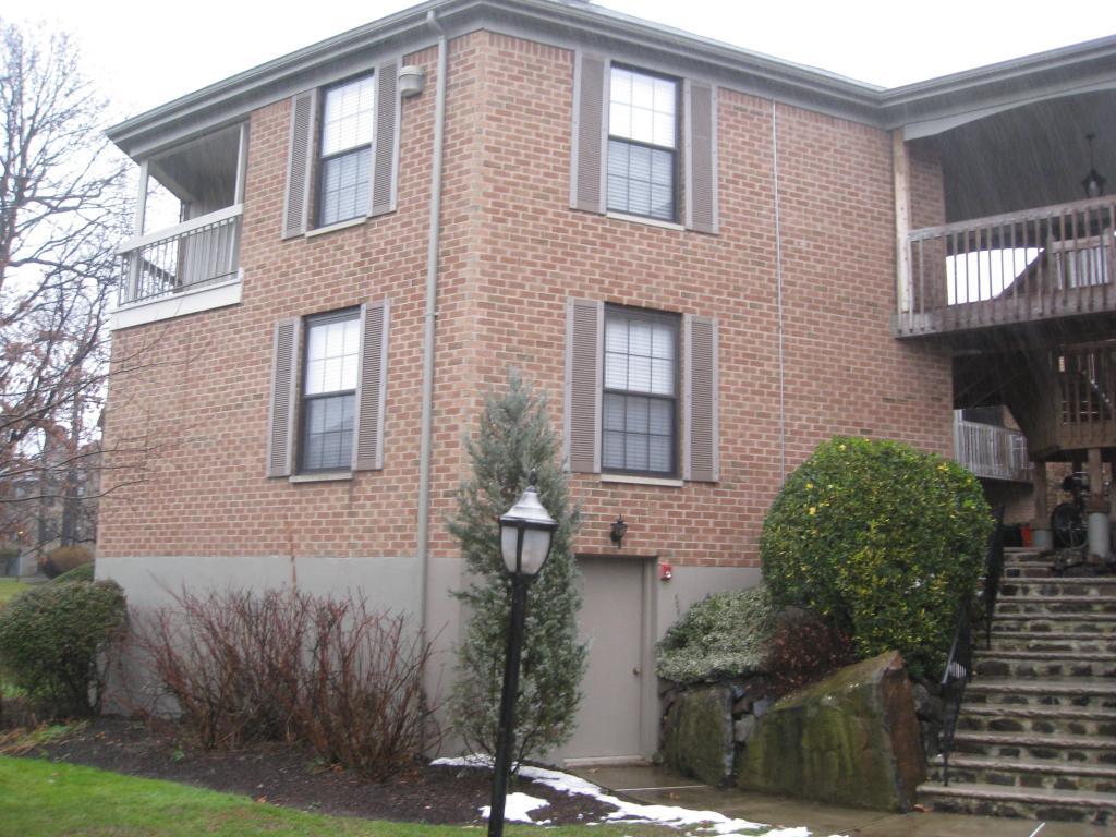 Maison unifamiliale pour l à louer à 181 LONG HILL RD. Apt 6-1 Little Falls, New Jersey 07424 États-Unis