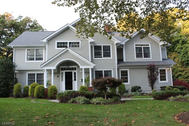 Maison unifamiliale pour l Vente à 23 Stafford Drive Madison, New Jersey 07940 États-Unis