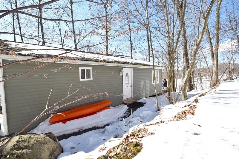 Maison unifamiliale pour l à louer à 15 CROFT Road Lake Hopatcong, New Jersey 07849 États-Unis