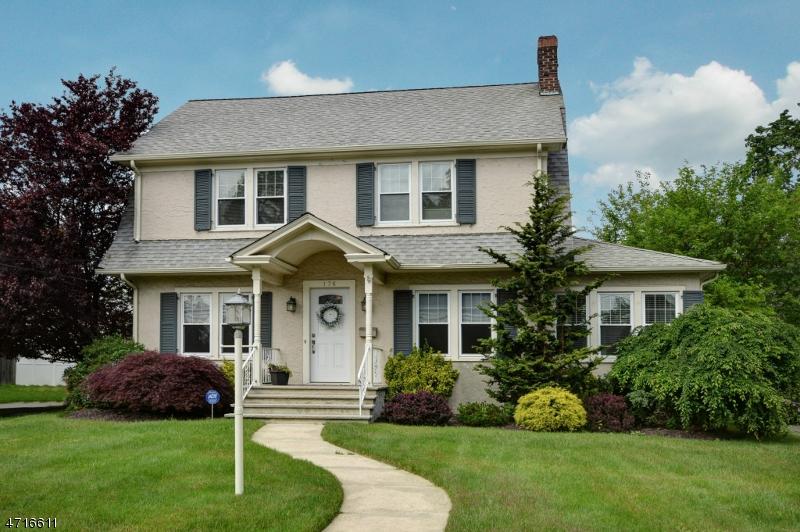 独户住宅 为 销售 在 176 Norwood Avenue North Plainfield, 07060 美国