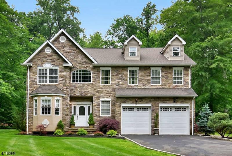Einfamilienhaus für Verkauf beim 47 Greenbrook Road 47 Greenbrook Road Berkeley Heights, New Jersey 07922 Vereinigte Staaten