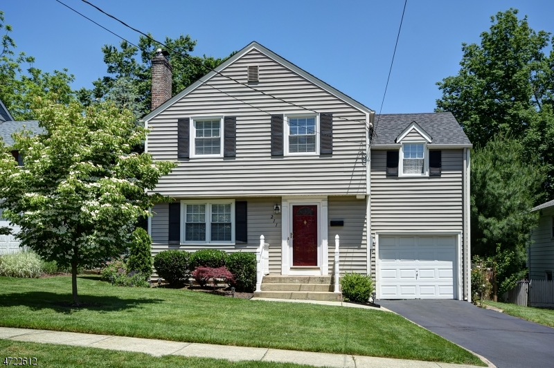 Single Family Home for Sale at 211 2nd Street Fanwood, New Jersey 07023 United States